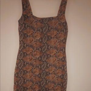 Snake dress elegant classy sexy size L stretch